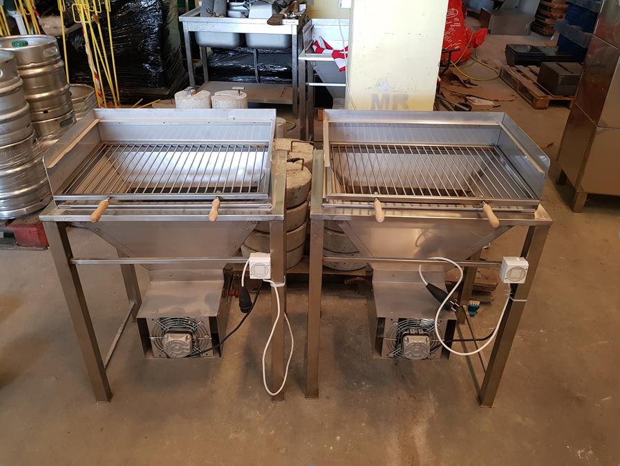 grill z wędzarnią metalowy